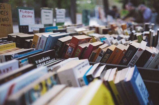 I libri più venduti di sempre si possono trovare davvero ovunque e probabilmente ne hai già qualcuno in casa