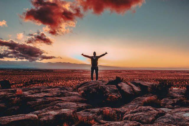 inizia adesso il tuo viaggio per diventare una persona migliore