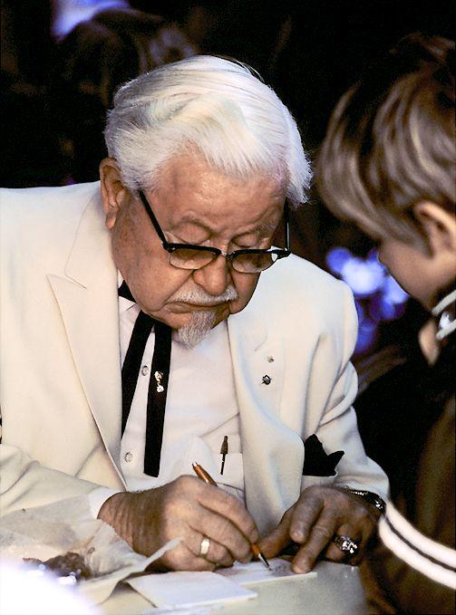 Colonel Sanders - Persone Famose Che Hanno Avuto Successo Tardi Nella Vita