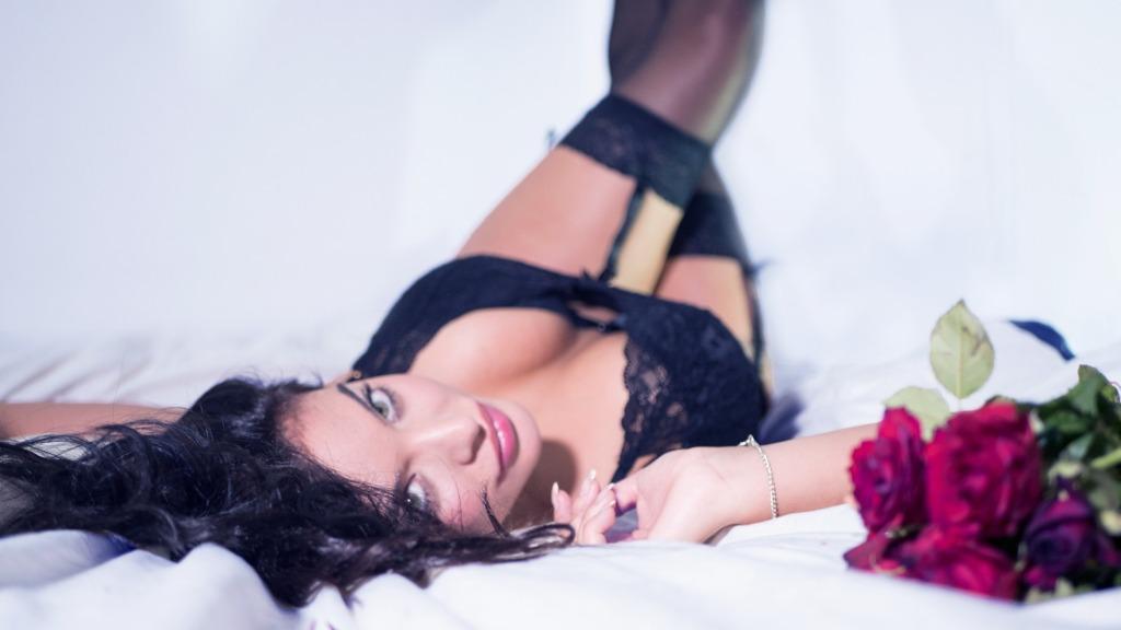 donna amore sessualità sexy lingerie intimo intrigante ragazza