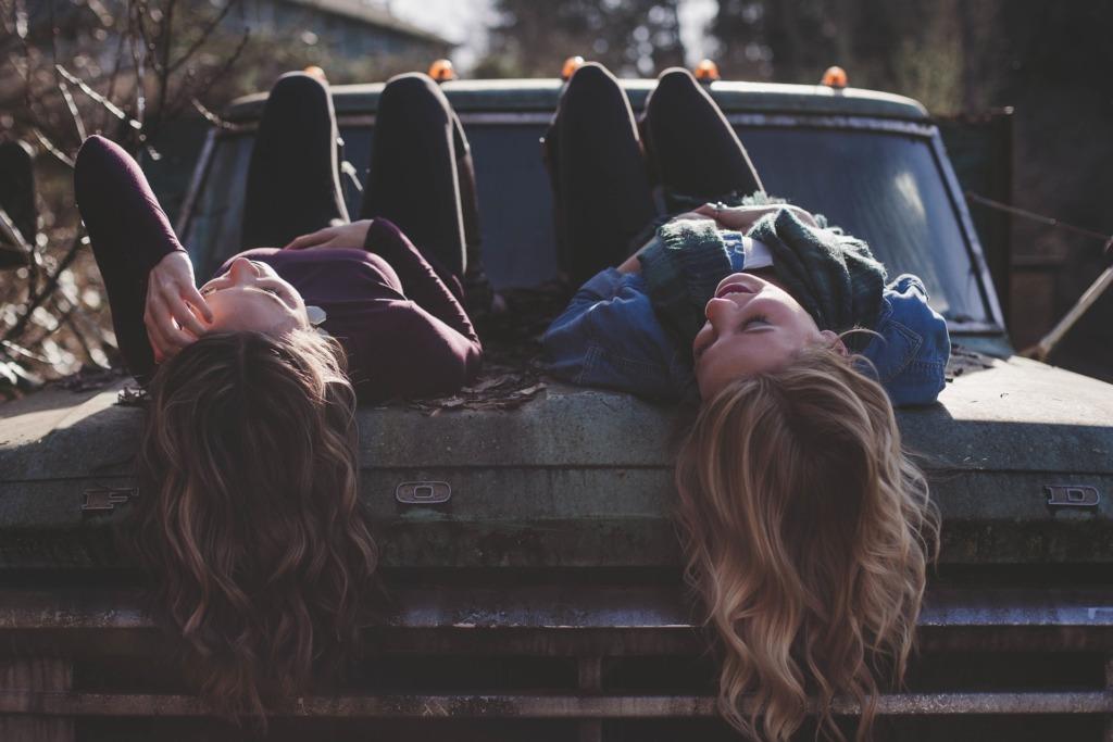 amici amiche amicizia ragazze parlare relax